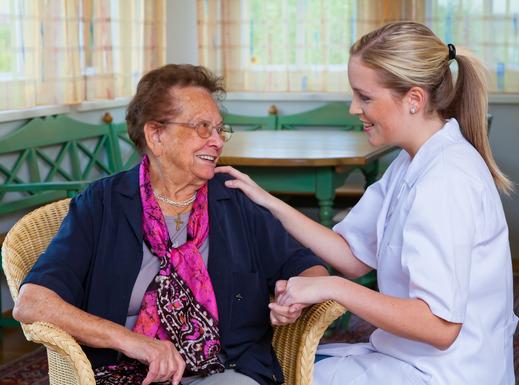 מטפלת קשישים - מטפל בקשישים