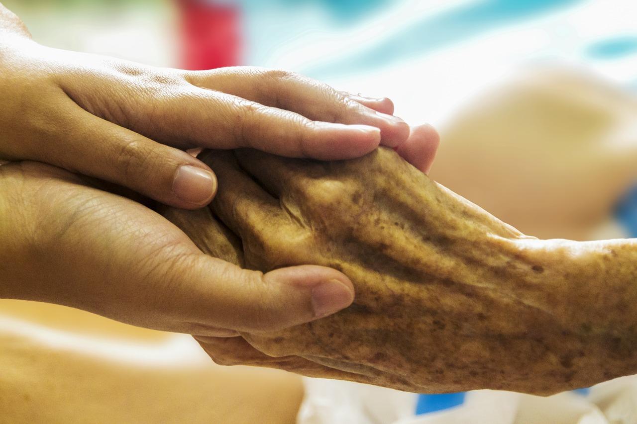 מטפל סיעודי 24 שעות / מטפלת סיעודית 24 שעות